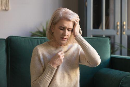 symptoms of dehydration in elderly